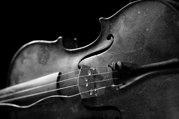 broken-violin-string